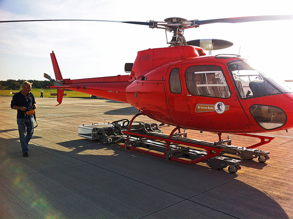 Mototok Helimo carries an Eurocopter AS350 Ecureuil