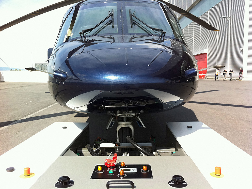 Extreme low height for moving aircraft and helicopter with low ground clearance
