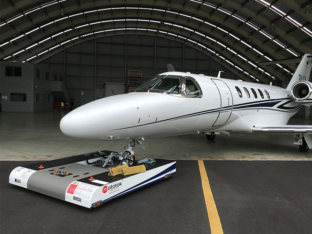 Mototok TWIN with a Cessna Citation