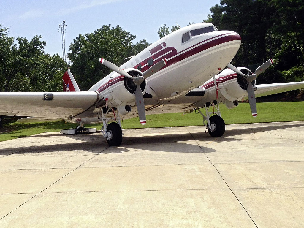 Even a DC-3 can moved by clamping the tail wheel