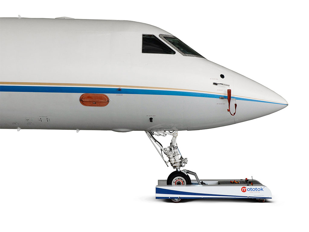 Clamp the nose gear from the front