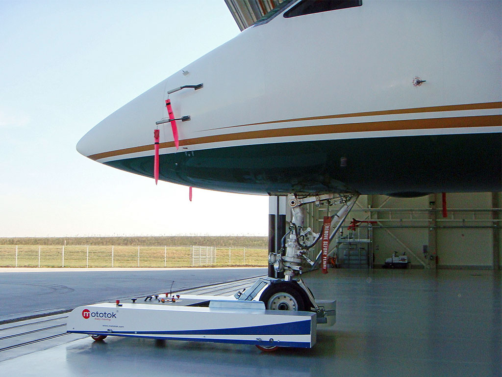 TWIN tows a Gulfstream out of the hangar