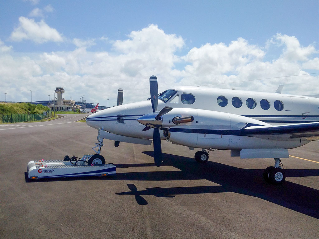 TWIN with a Hawker Beechcraft King Air 200