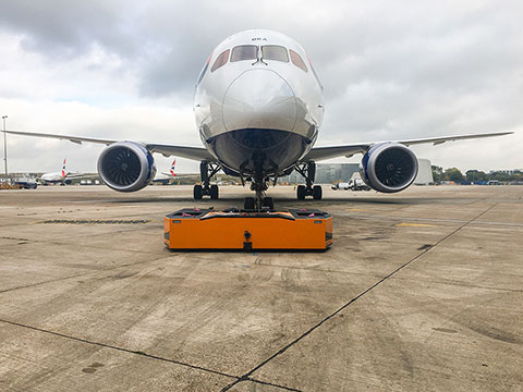 Spacer 195 with a Boeing 787 Dreamliner