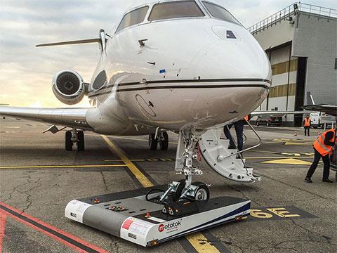 twin-bombardier-global-5000-005_small.jpg