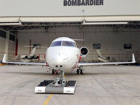 twin-bombardier-hangar-001_small.jpg