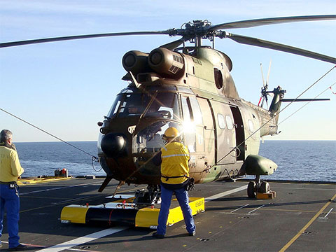 TWIN on an aircraft carrier with an Eurocopter AS 332 Super Puma