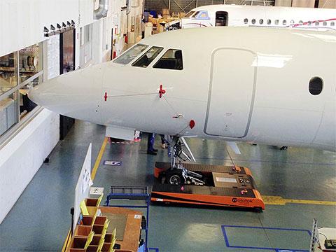 twin-flat-dassault-falcon-hangar-004-ret_small.jpg