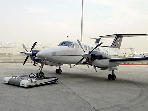 twin-hawker-beechcraft-super-king-air-200-001_small.jpg