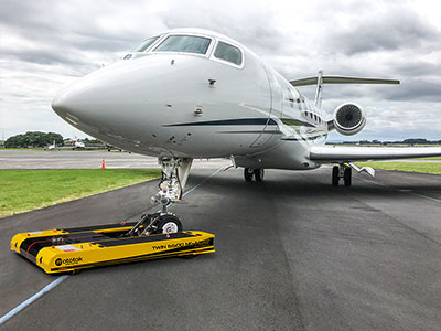 TWIN NG tows a Gulfstream